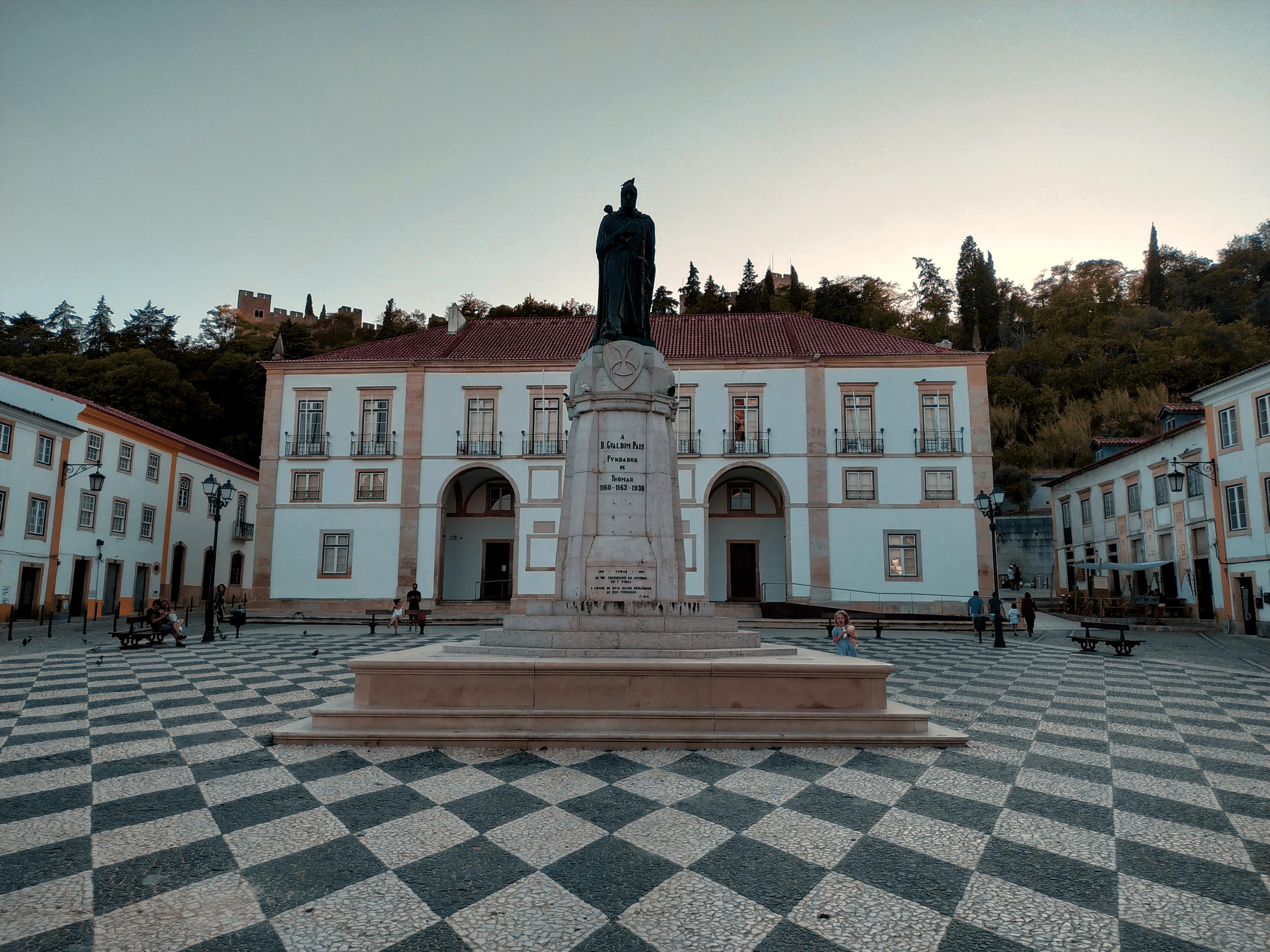 gualdim pais statue in the main square of Tomar