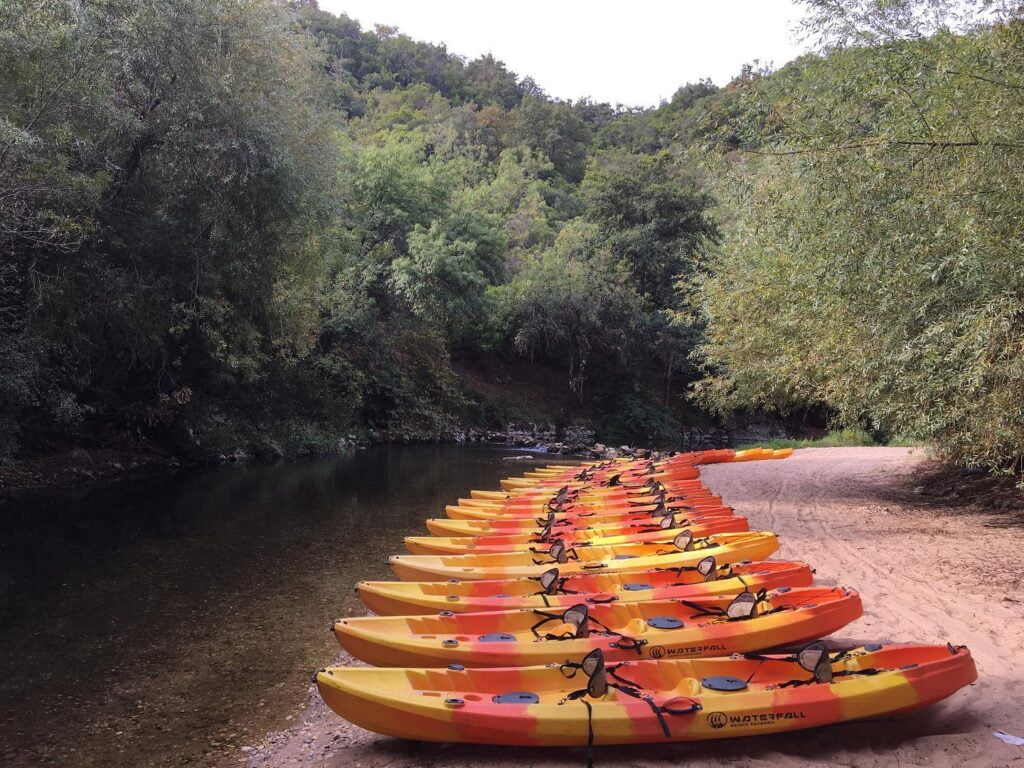 Experiencia de canoagem em Tomar . Canoeing group tours in Tomar